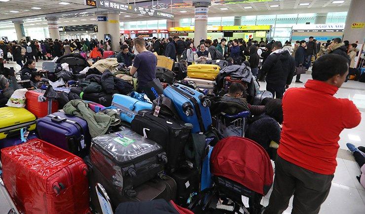 The crowded Jeju International Airport / Korea Times file