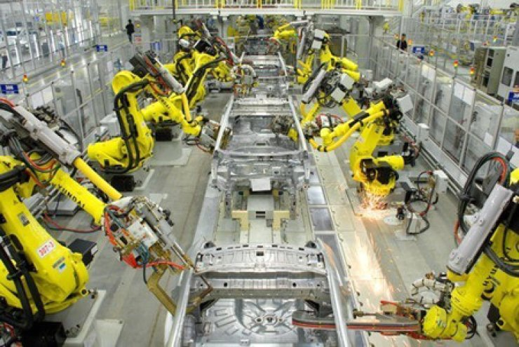 Hyundai Motor's vehicles are assembled at the firm's plant in Saint Petersburg, Russia. / Korea Times file