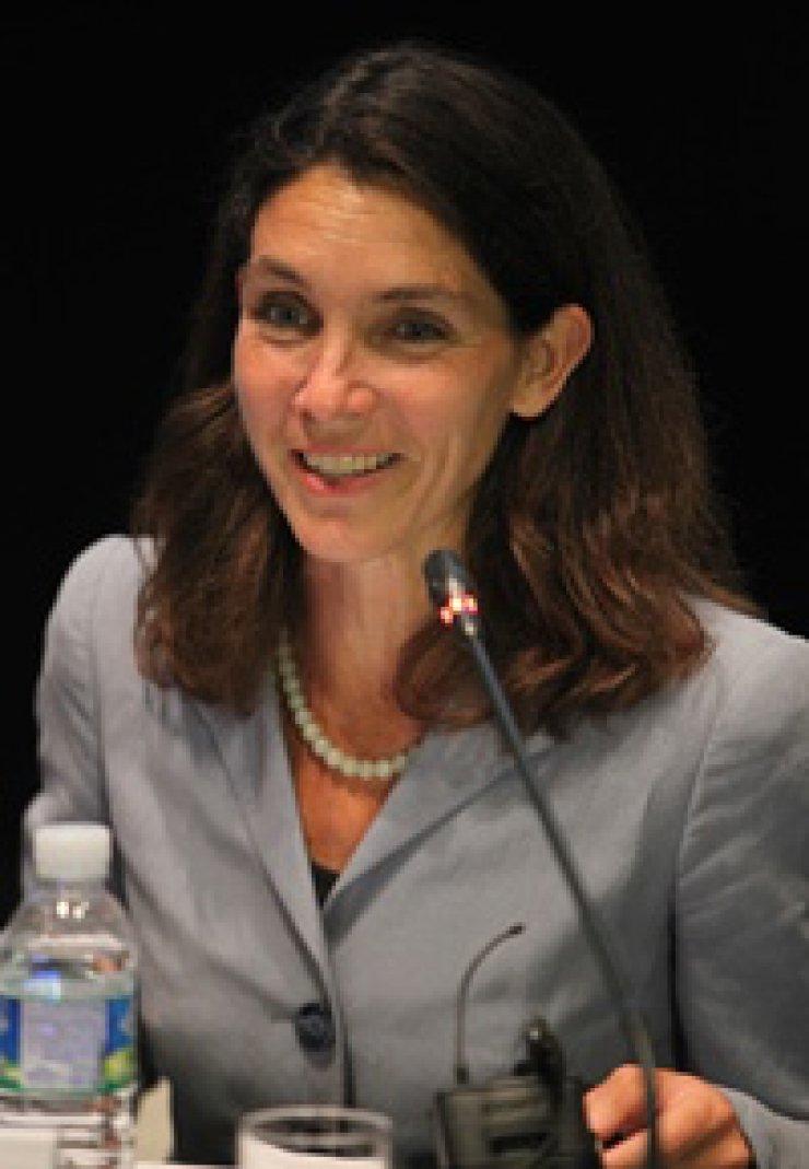 Alexis Dudden
