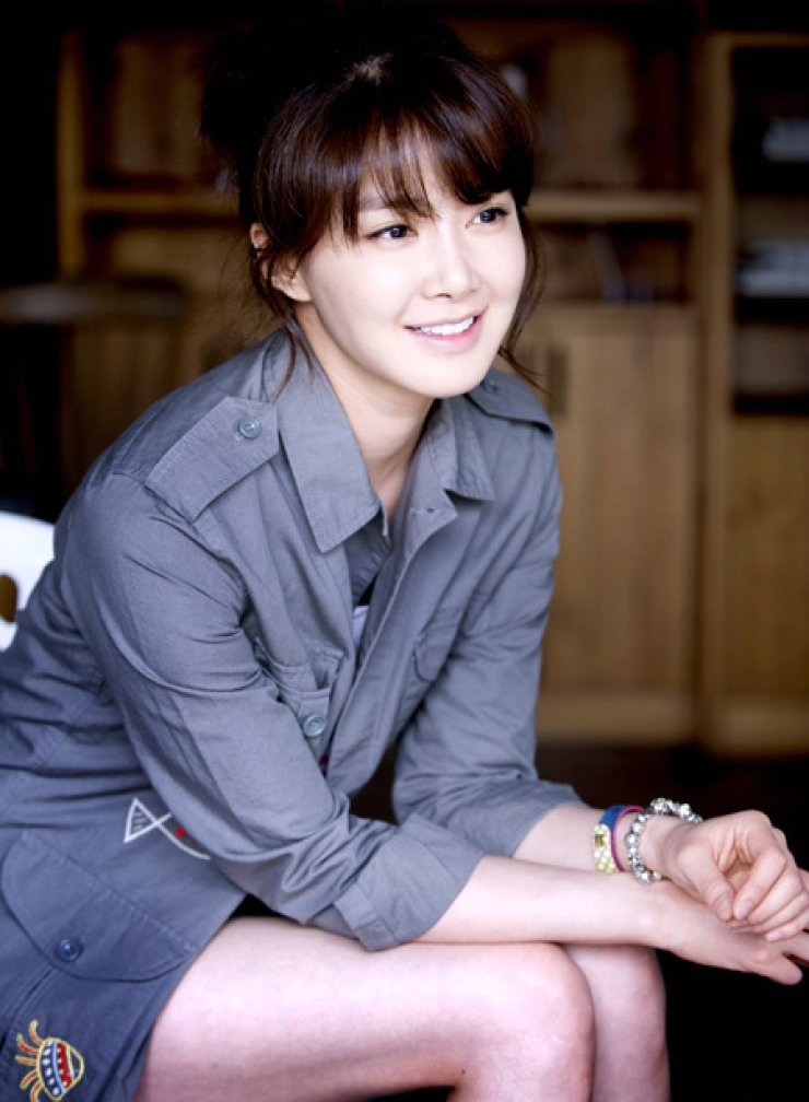 Lee Si-young / Korea Times file