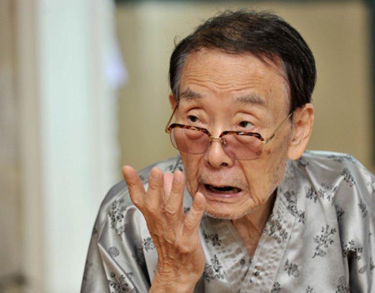Lee Mae-bang