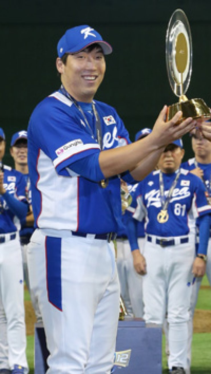 This file photo shows Korean outfielder Kim Hyun-soo, who left for the United States on Thursday, amid reports that he clinched atwo-year contract with the Baltimore Orioles totaling $7 million. / Yonhap
