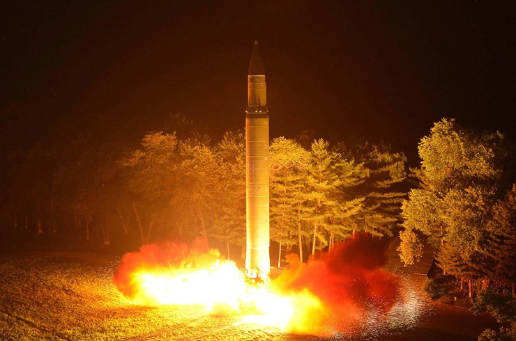 North Korea's intercontinental ballistic missile (ICBM), Hwasong-14, is lauched at an undisclosed place, July 29. / AFP-Yonhap