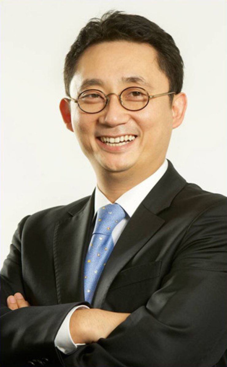 Lee Bo-hyoung, CEO of Macoll Consulting Group