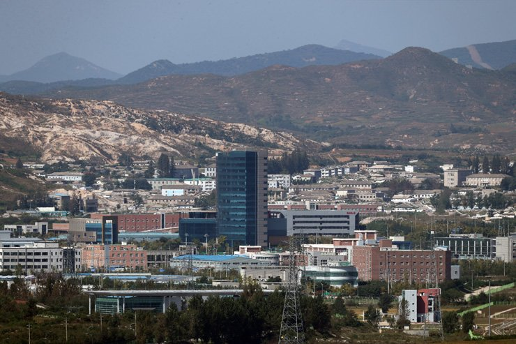 Buildings at the Gaeseong Industrial Complex in North Korea are seen in this file photo. The North has indirectly admitted it has been operating some factories there without South Korea's permission. / Yonhap