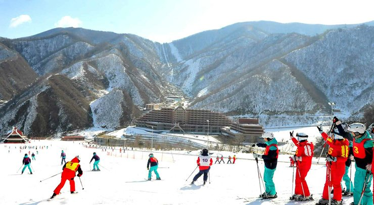 The Masikryong Ski Resort, North Korean leader Kim Jong-un's pet project near the port city of Wonsan on the country's east coast, is open only to a limited group of people, including those from the elite class. / Korea Times file