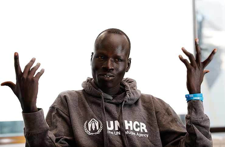 Yiech Pur Biel, a high-profile supporter of UNHCR, speaks at the UNHCR Seoul office, Tuesday./ Korea Times photo by Shim Hyun-chul