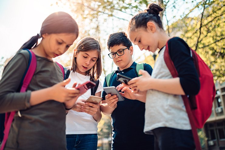 The smartphone penetration rate for secondary school students reached more than 95 percent, a report showed, Sunday. gettyimagesbank