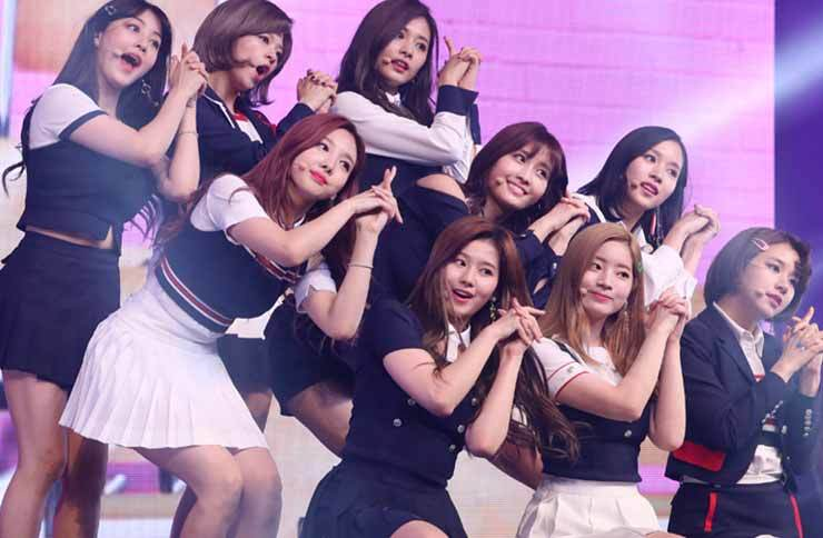 TWICE from JYP Entertainment is now Korea's hottest girl group. The band has announced it will tour six cities in Japan next January. / Korea Times file