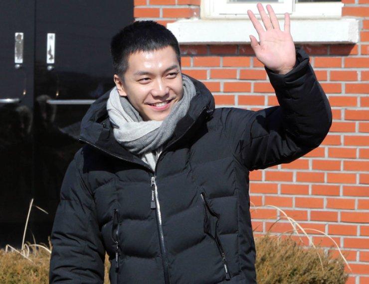Lee Seung-gi / Yonhap
