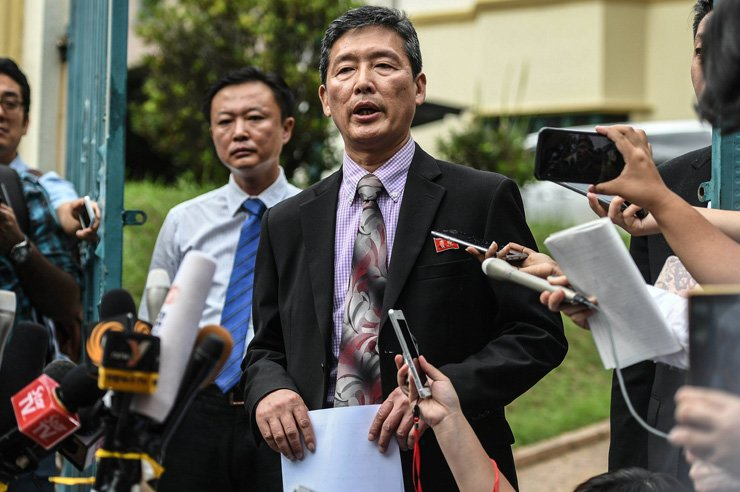 Ri Tong Il addresses journalists outside the North Korean embassy in Kuala Lumpur on Mar. 2. / AFP-Yonhap