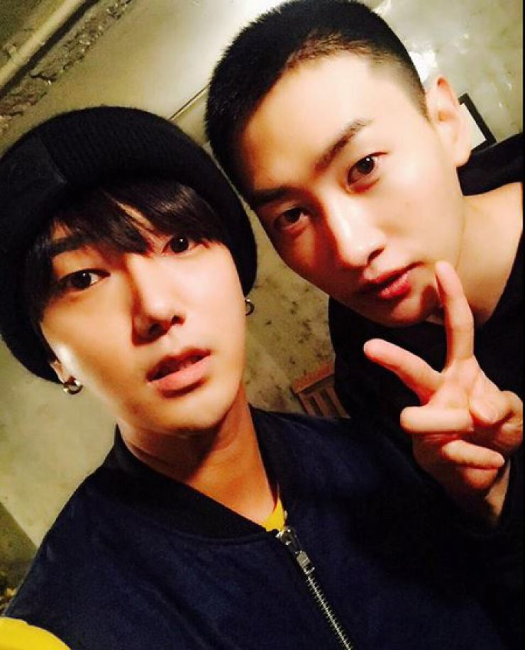 Yesung, Eunhyuk /Screen capture from Twitter