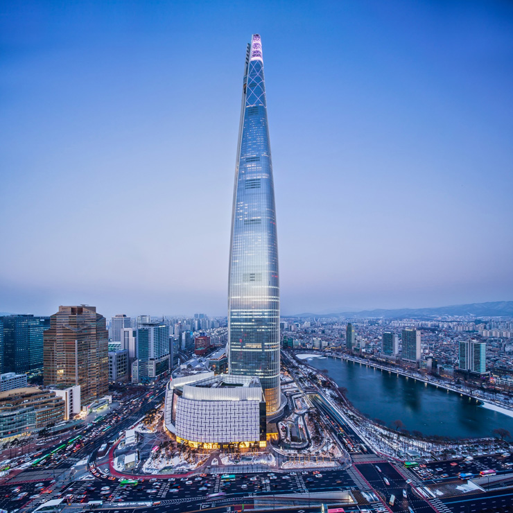 Lotte world tower to hold sky run lotte world tower in southern seoul gumiabroncs Image collections