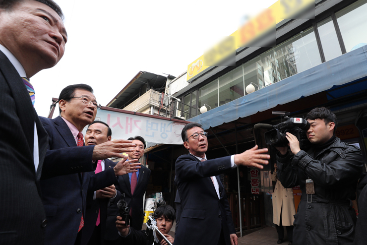 Cheong Wa Dae spokesman Kim Eui-kyeom. Korea Times file