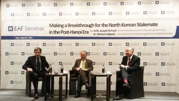 From left are Amb. Joseph DeTrani, former U.S. special envoy for the six-party talks with North Korea, Dr. Morton Halperin, former director of the policy planning staff at the U.S. Department of State and Prof. Moon Chung-in of Yonsei University who is also special adviser to President Moon Jae-in participating at a seminar titled 'Making a Breakthrough for the North Korean Stalemate in the Post-Hanoi Era,' held at the Four Seaons Hotel Seoul in central Seoul, Tuesday. The Seoul-based think tank East Asia Foundation organized the seminar. Korea Times photo by Jung Da-min
