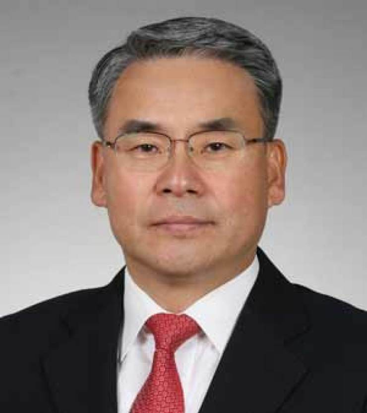 Prof. Lee Jong-sup of Kyungdong University