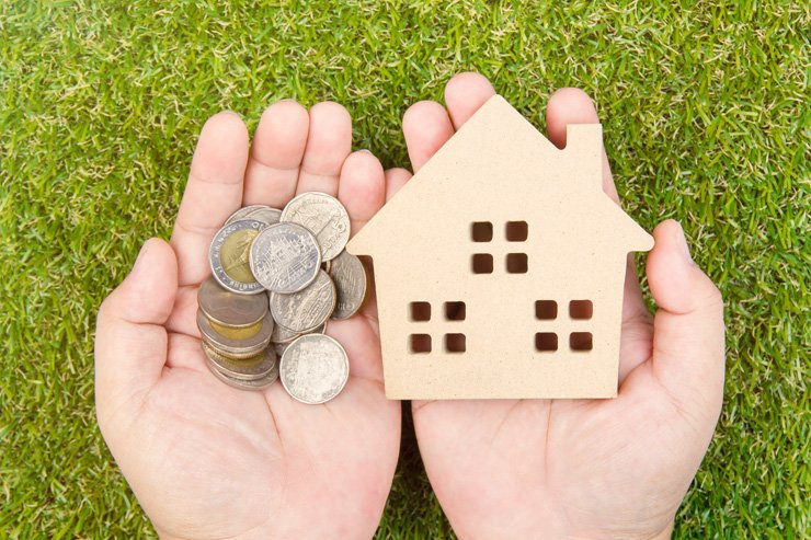 More than four out of 10 unmarried people believe they will at some point in their lives need to purchase a home but at the same time feel it is impossible to do so, a survey showed Tuesday. / Gettyimagesbank