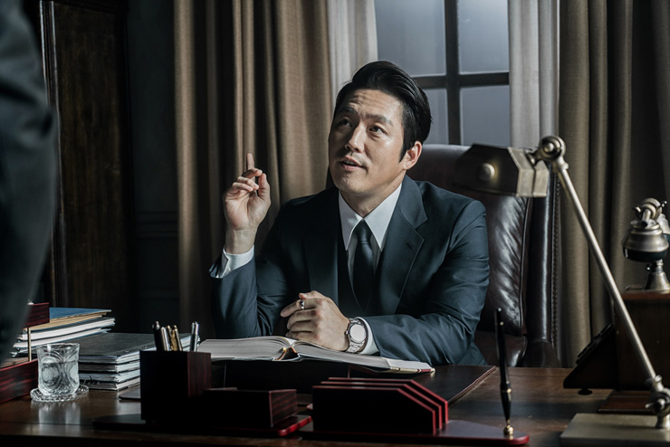 Han Seok-gyu acts as villain Jung Ik-ho in 'The Prison' / Courtesy of SHOWBOX