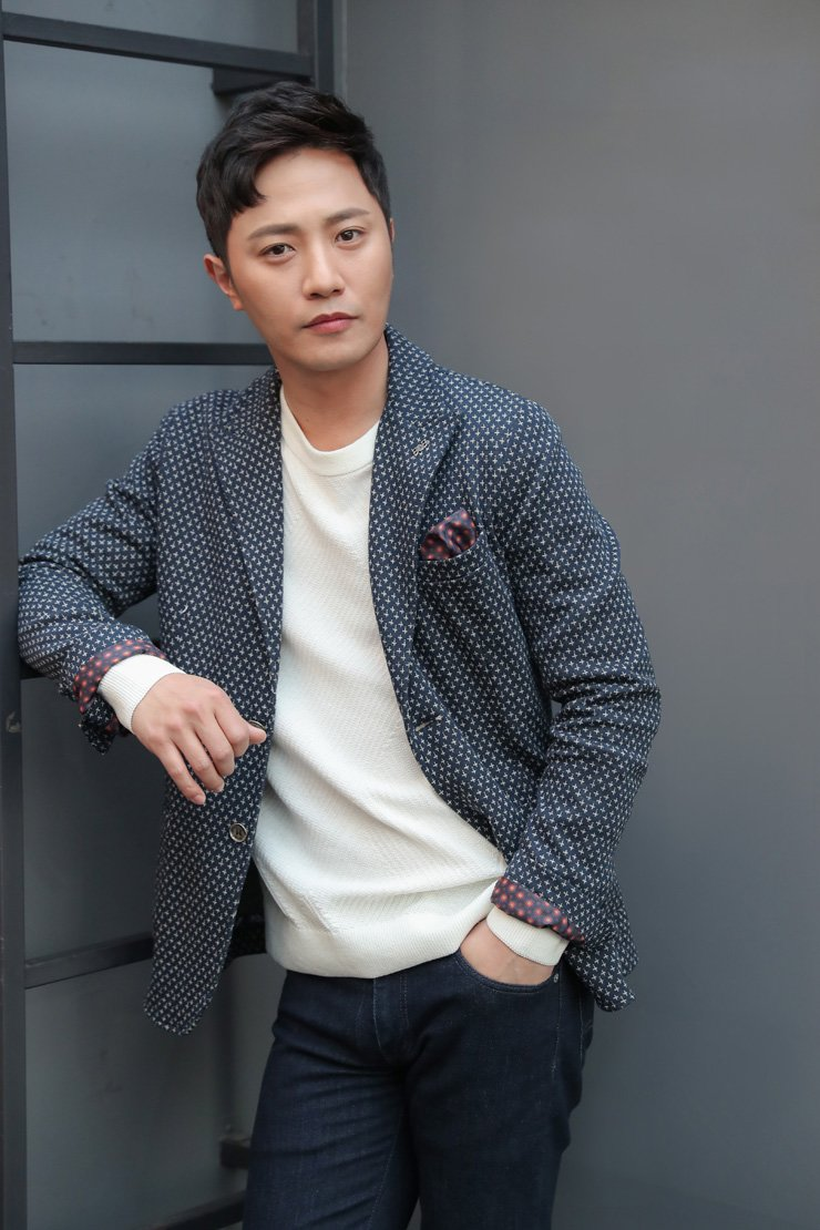 Actor Jin Goo poses during an interview at a cafe in Samcheong-dong in Seoul, Tuesday. / Courtesy of NEW