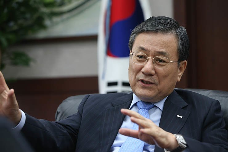 Korea Advanced Institute of Science and Technology (KAIST) President Shin Sung-chul speaks during a recent interview with The Korea Times at his office in Daejeon. / Courtesy of KAIST