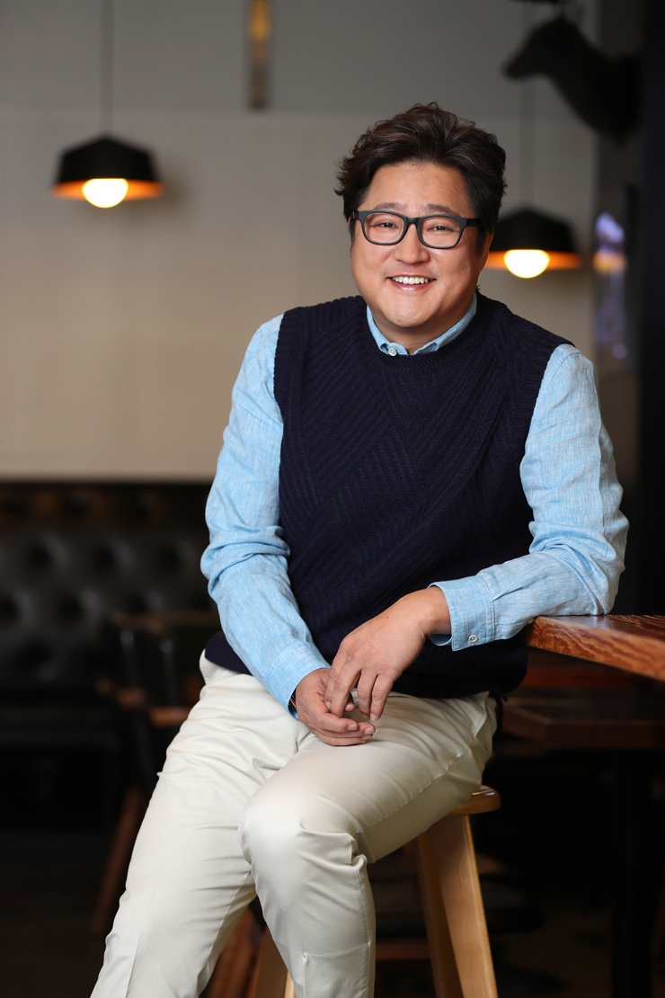 Actor Kwak Do-won pose during the interview with The Korea Times at a cafe in Samcheong-dong, western Seoul, last Friday. / Courtesy of Showbox