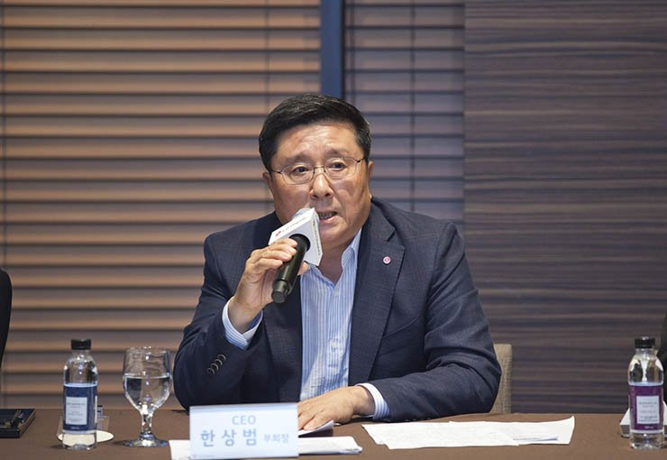 LG Display CEO and Vice Chairman Han Sang-beom speaks during a press conference at the LG Twin Tower on Yeouido, Seoul, Wednesday. / Courtesy of LG Display