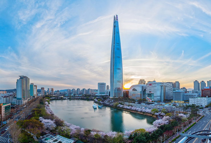 Lotte world tower will close twice a month lotte world tower in jamsil southeastern seoul courtesy of lotte corp gumiabroncs Image collections
