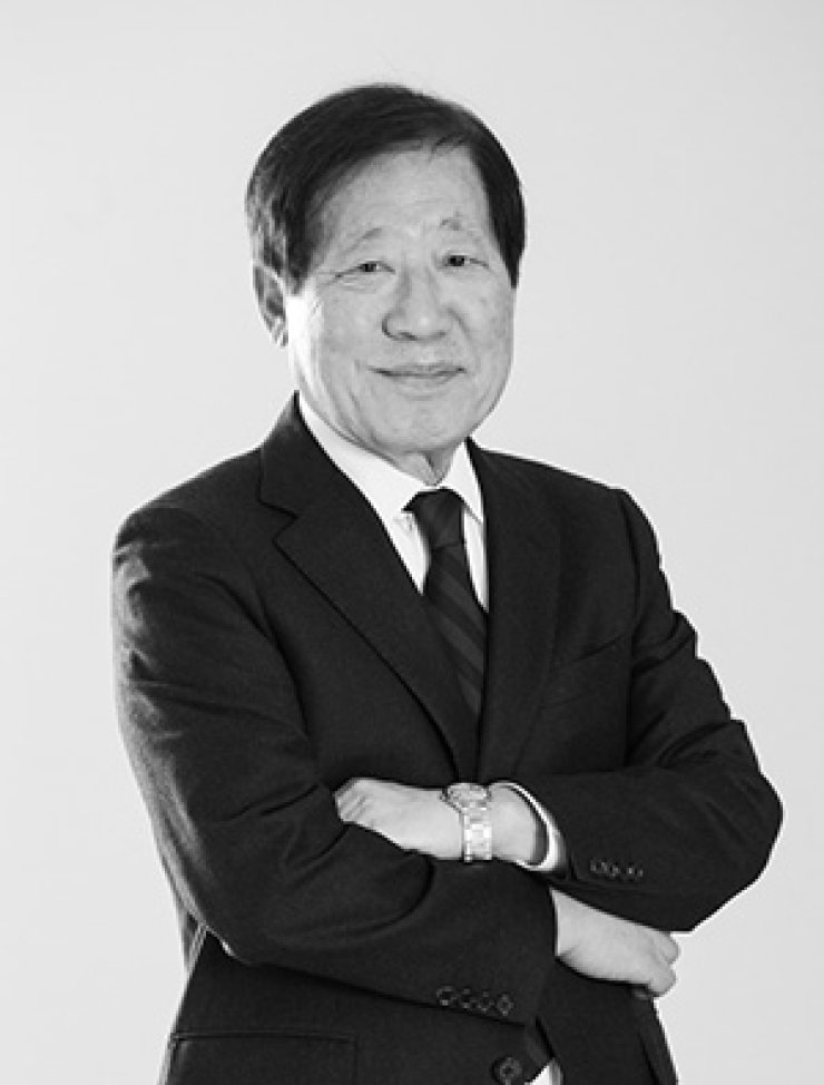 Hwang Ju-myung, the author of the e-book 'Humans as Humans' / Courtesy of HMP Law