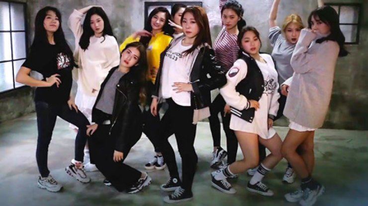 I.O.I from 'Crush' music video / Screen capture from YouTube