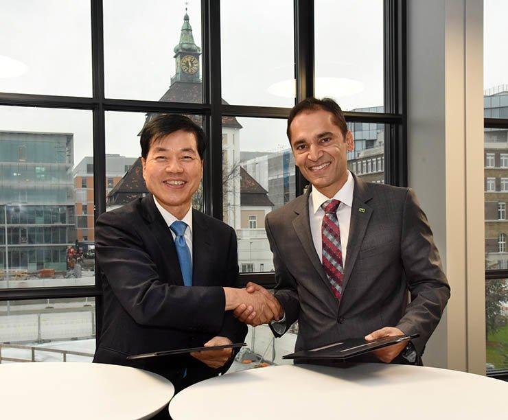 Merck extends strategic alliance with Samsung BioLogics