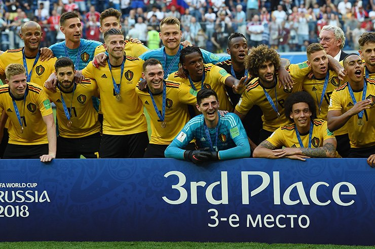 Belgium's team pose with their medals after winning their Russia 2018 World Cup play-off for third place match between Belgium and England at the Saint Petersburg Stadium in Saint Petersburg, Sunday. AFP