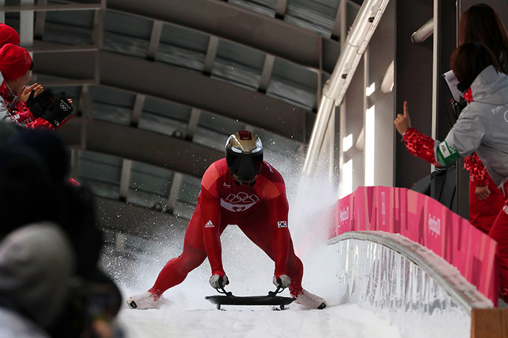 mmm1111111 - Юнь Сун-бин первый корейский чемпион в скелетоне