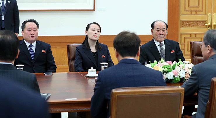 mmm11212 - Президента Муна пригласили в Северную Корею