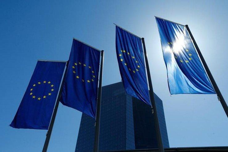 European Union flags / Reuters