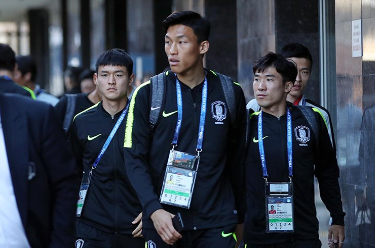 Members of South Korea's World Cup team arrive at their hotel in Nizhny Novgorod, Sunday. Yonhap