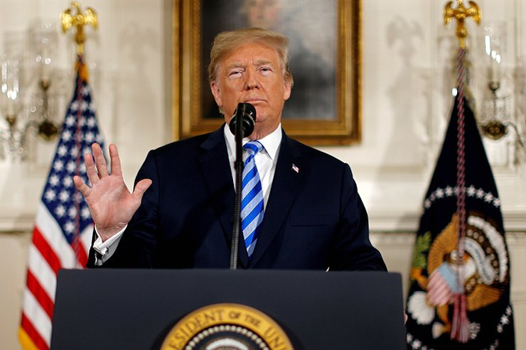 U.S. President Donald Trump announces his intention to withdraw from the JCPOA Iran nuclear agreement during a statement in the Diplomatic Room at the White House in Washington, Tuesday (local time) / Reuters