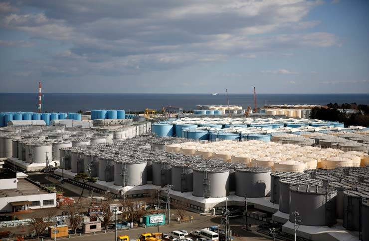 Storage tanks for radioactive water are seen at Tokyo Electric Power Co's (TEPCO) tsunami-crippled Fukushima Daiichi nuclear power plant in Okuma town, Fukushima prefecture, Japan, in this picture taken on Feb. 18. Reuters