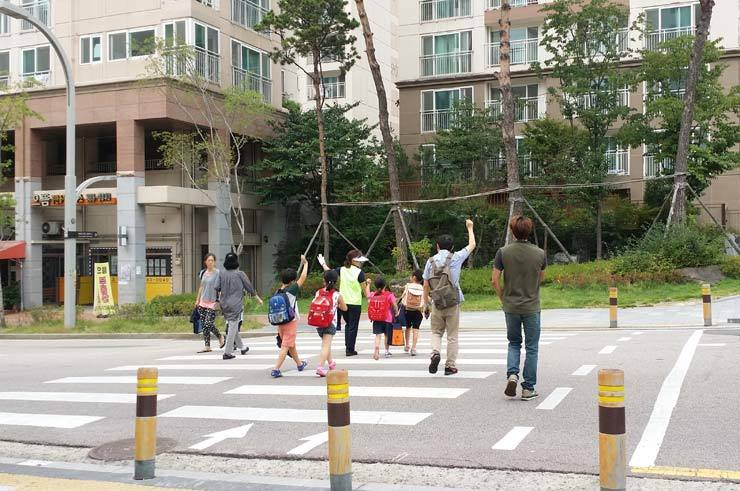 Police will deploy more officers and increase the number of automated speed cameras in school zones in an effort to reduce the number of accidents in such areas. / Korea times file