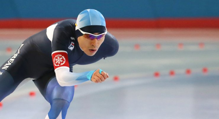 Lee Seung-hoon skates in the men's 5,000-meter speed skating race during the national team trial for the 2017 Sapporo Asian Winter Games at the Taeneung International Skating Rink in Seoul, Tuesday. / Yonhap