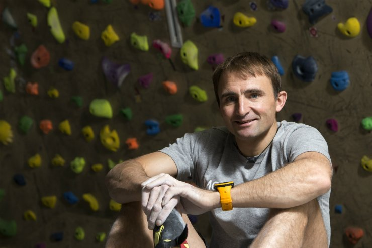 Mountain climber Ueli Steck poses during an interview with The Korea Times on Jan. 12, 2016. Steck died on Sunday in an accident at a camp near Mount Everest. / Korea Times photo by Choi Won-suk