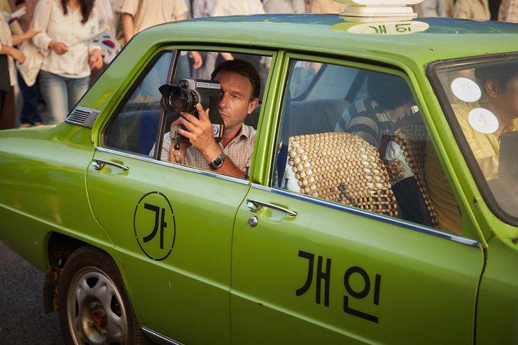 Thomas Kretschmann acts as German reporter Jurgen Hinzpeter in 'A Taxi Driver' / Courtesy of Showbox