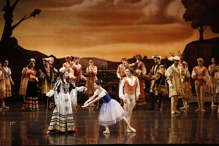 A ballet blanc scene from 'Giselle' by the Korean National Ballet / Courtesy of Korean National Ballet