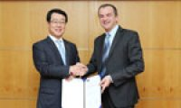 Allianz offers global services to loyal customers