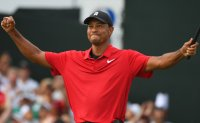 Woods wins Tour Championship, ending five-year drought