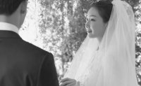 Actress Choi Ji-woo gives birth to her first child