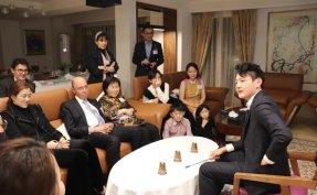 Magician Ed Kwon performs at Singaporean Ambassador's residence