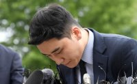 Police question Seungri over overseas gambling allegation