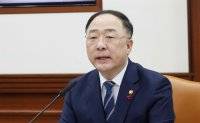 Korea ready to take steps over Mideast tension, finance minister says