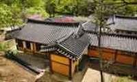 'Gungjip': palace-like house