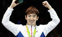 Fencer's 'I can do it' spirit inspires young South Koreans